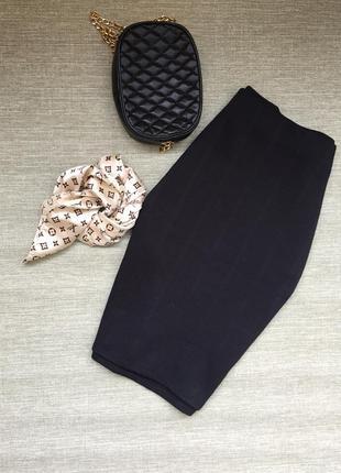 Плотная классическая миди юбка