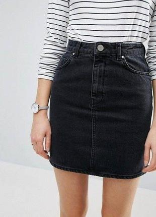 Черная джинсовая мини юбка