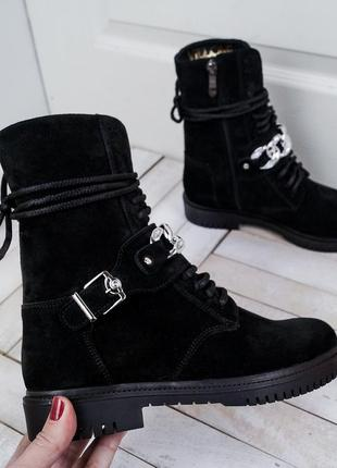 Черные замшевые ботинки с ремешком.люкс качество