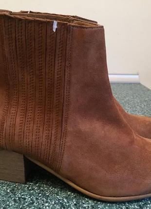 Фирменные замшевые ботинки челси 37р