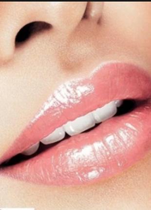 Красивый блеск для губ