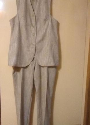 Костюм: жилет + брюки
