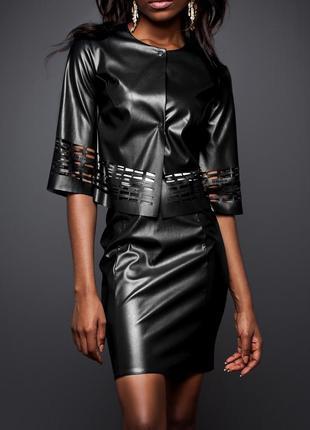 Женский юбочный кожаный костюм черного цвета (s, xl)