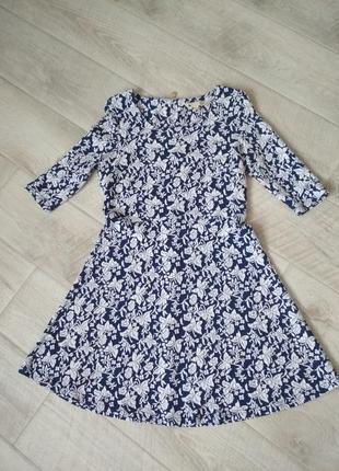 Платье в цветочный узор, демисезон 48р.