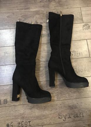 Зимние женские замшевые сапоги 39 размер высокий каблук1