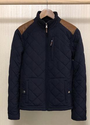 Классная стёганная курточка от дорогущего бренда с кожаными вставками