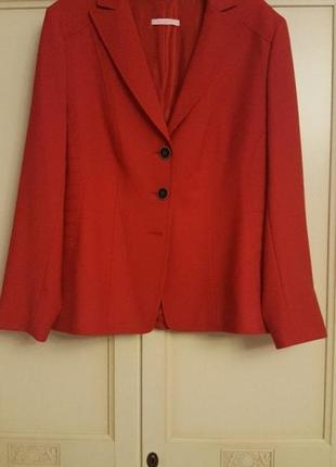 Красный трикотажный пиджак basler размер 52