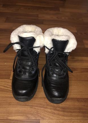 Женские кожаные зимние ботинки 36р.