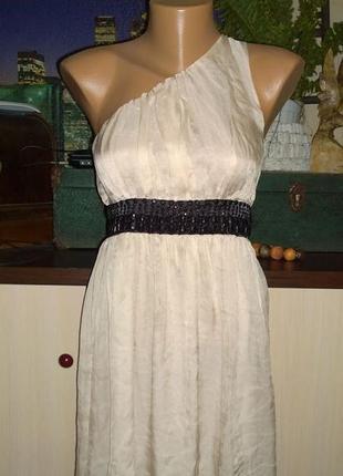 Нарядное коктейльное платье на одно плечо