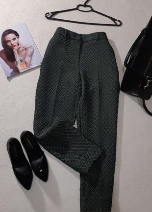 Стильные укороченные брюки. размер м