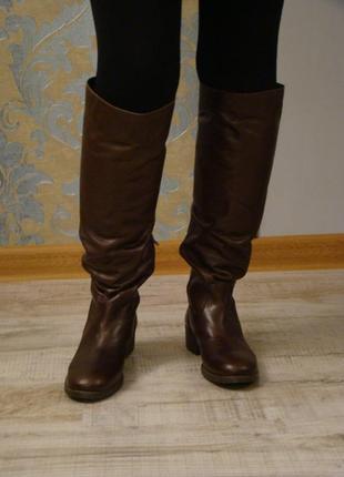 Високие кожаные сапоги утепленные copo de niere