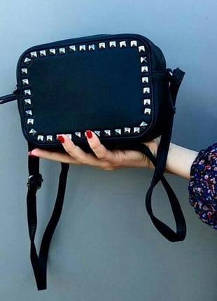 Квадратна сумочка кроссбоди чорного кольору