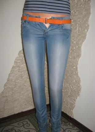 Распродажа до 28.01! продам женские джинсы.