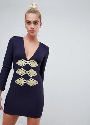Классное фактурное платье с длинными рукавами и глубоким декольте rare london