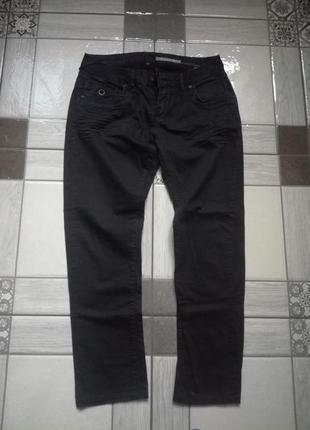 Cтильні чоловічі джинси