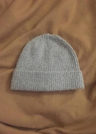 Продам мягкую шапочку