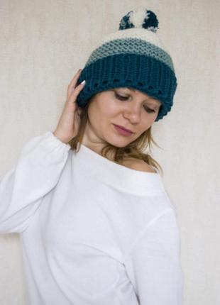 Теплая вязаная шапка ручной работы с флисовой подкладкой. трехцветная шапка с помпоном