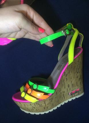 Летняя обувь, босоножки на платформе