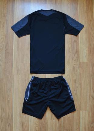 Футбольная форма umbro2