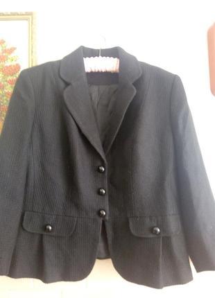 Пиджак шерстяной с баской р 16