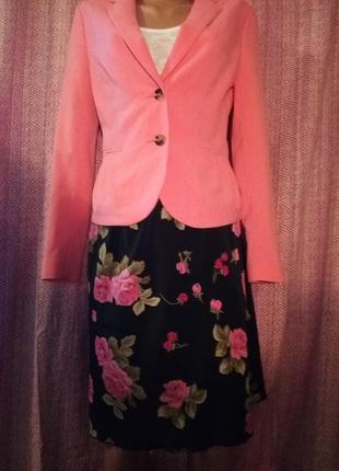 Яркая юбка в розы цветочный принт