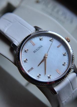 Скидка на бриллианты! женские часы с бриллиантами bulova на кожаном ремешке