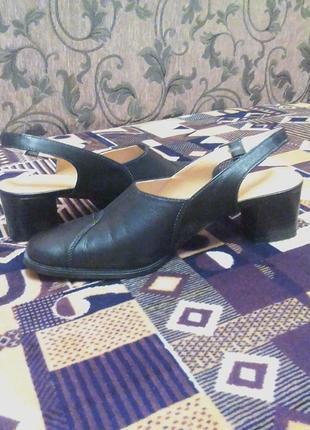 Новые кожаные босоножки,садалии,туфли ортопед.от бренда maria luna.38