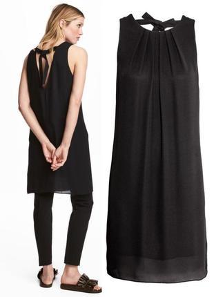 Черноешифоновое платье до колена без рукавов