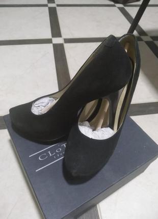 Туфли классические на шпильке