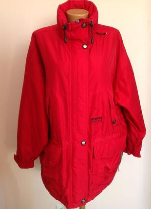 Шикарная куртка на синтепоне с капюшоном. /44-46/ brend tenson