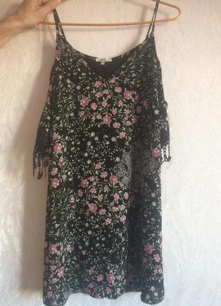 Очень красивое платье 350грн