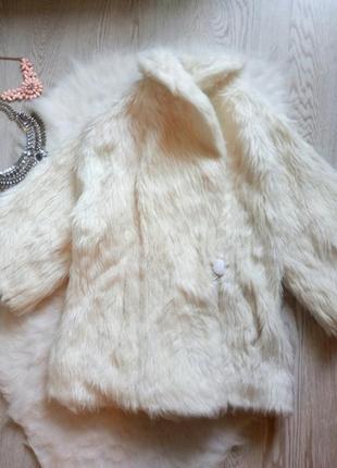 Белая короткая искусственная шубка с воротником и карманами можно и свадебная полушубок