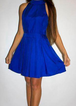 Синее платье с открытой спиной!
