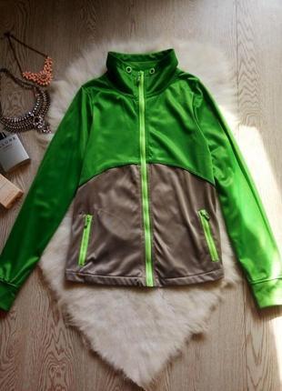 Зеленая с серым куртка на молнии олимпийка салатовые вставки манжеты ветровка на флисе