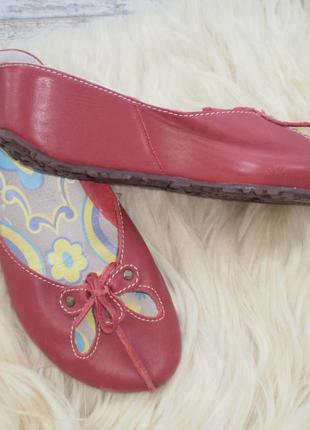 Fly london: кожаные шлепанцы