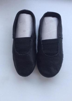 Детские кожаные чёрные чешки р.172 фото