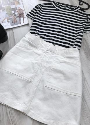 Белая джинсовая юбка трапеция