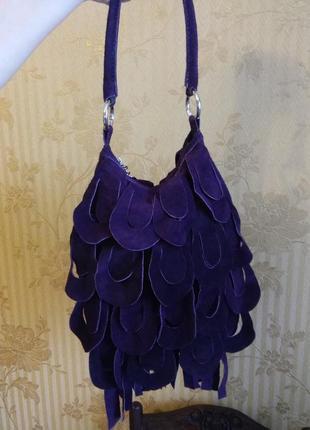 Фиолетовая замшевая сумка с бахромой