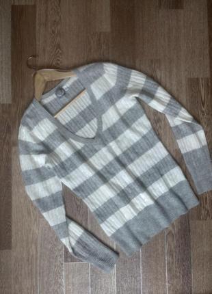 Стильный ангоровый свитерок в полоску