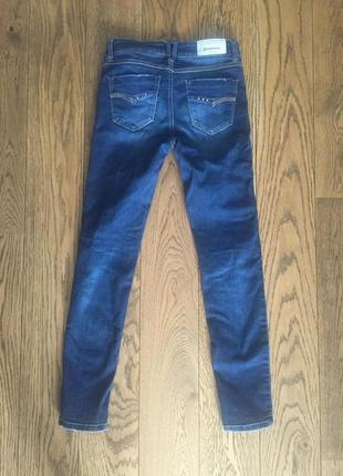 Новые стильные джинсы stradivarius