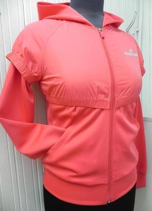 Стильная удобная кофта -куртка спортивного стиля с-м