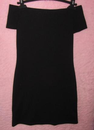 Черное платье mango открытые плечики