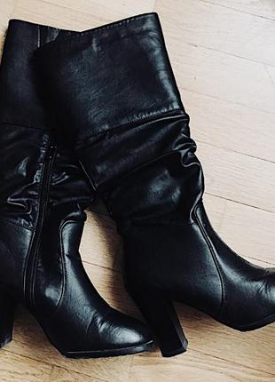 Сапоги на среднем каблуке размер 38