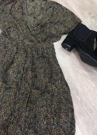 Шовкове плаття на запах в актуальний принт3 фото