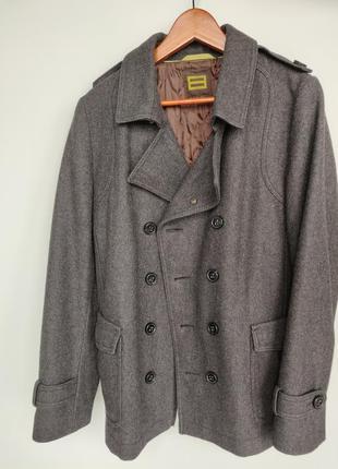Продам мужское пальто monton