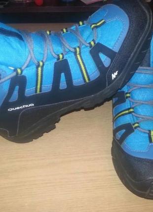 Треккинговые ботинки quechua