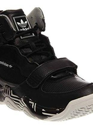 Кожаные adidas р. 42,5 ст. 27,5 см. кроссовки