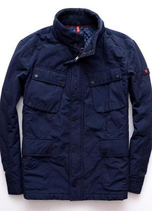 Шикарна куртка strellson