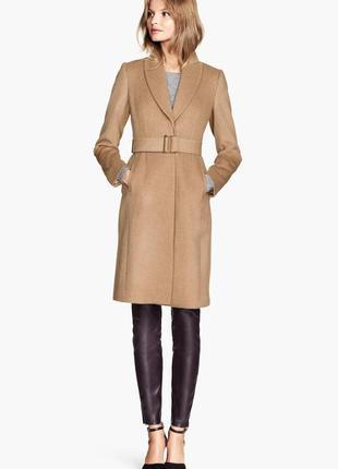 Стильное шерстяное пальто в оттенке camel h&m бежевое приталенное пальто с поясом 🐪