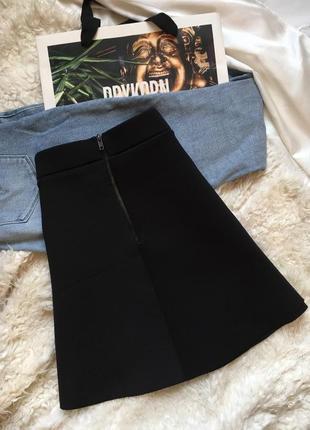 """Черная юбка под """"неопрена"""" держит форму с завышенной талией и замком asos"""